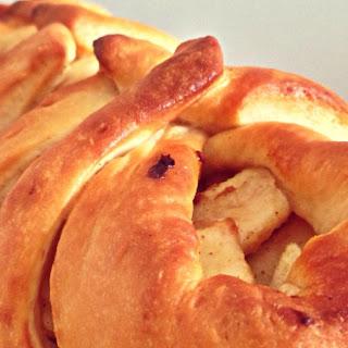 Cinnamon Apple Braided Bread.