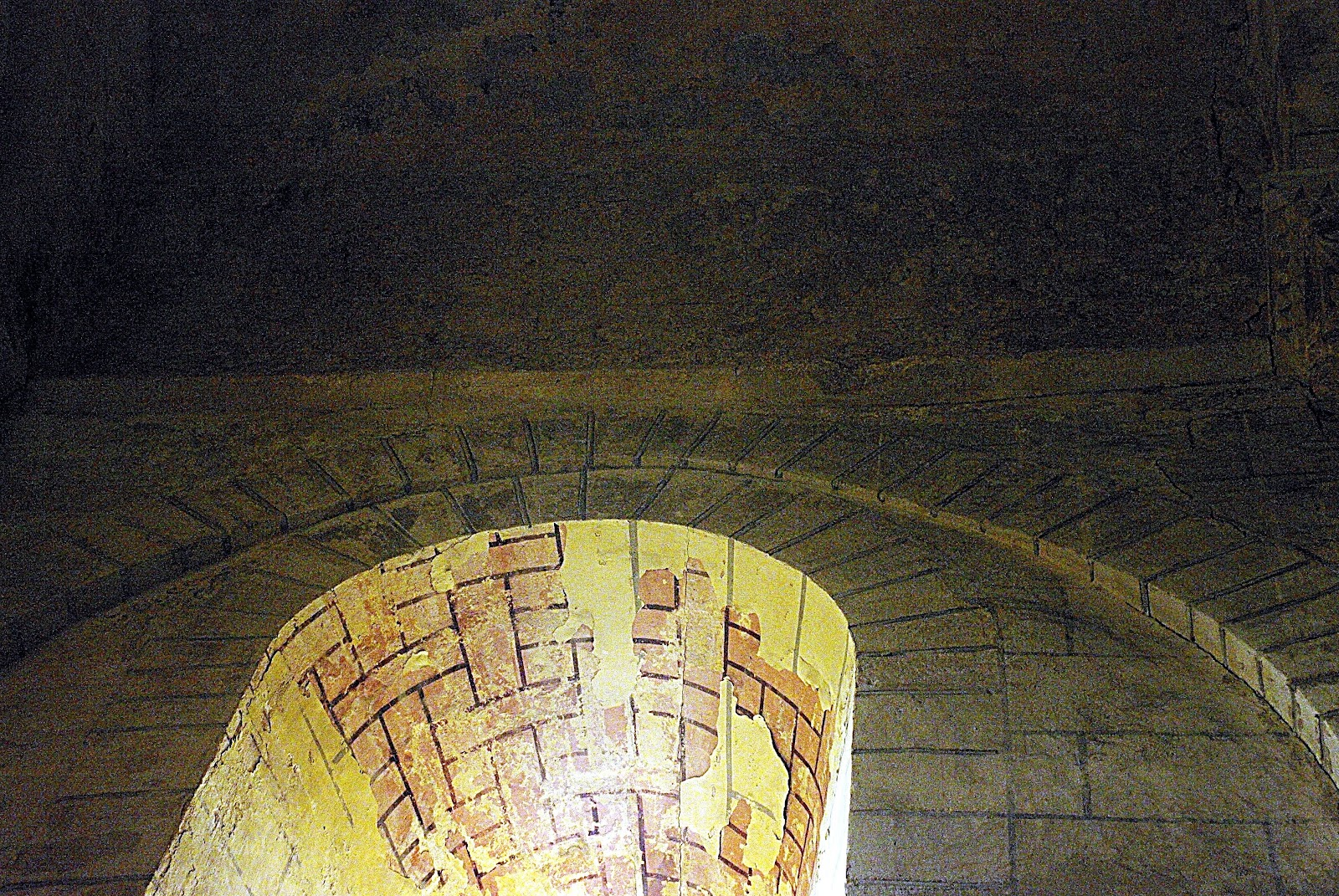 Linteau En Arc De Cercle arches et voûtes - art roman modillons chapiteaux et peintures