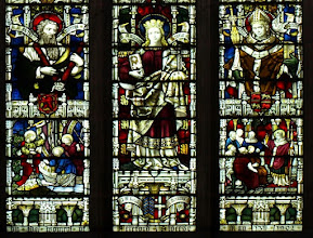 Photo: Detail 3 - Stained glass window West front Hereford Cathedral - 1902
