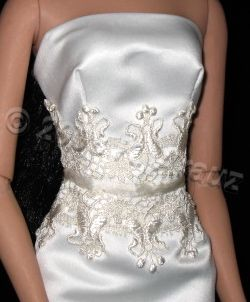 luxe-ivory-bridal-gown-embroidery-detail