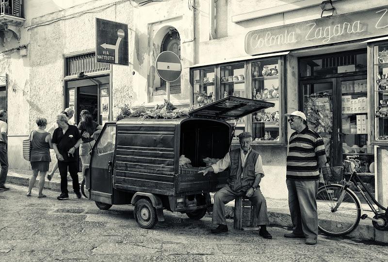 Il venditore di origano di Tiziana Detoni