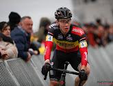 Laurens Sweeck won zelf terwijl hij Michael Vanthourenhout aan de zege wilde helpen