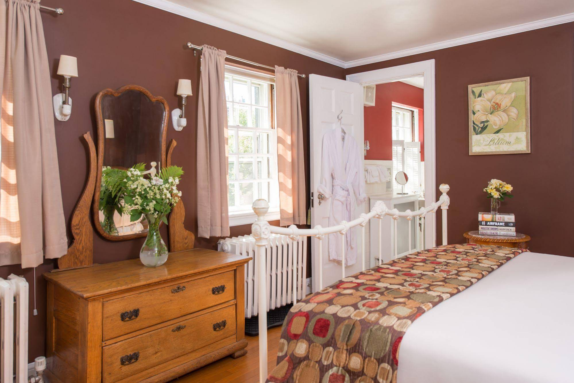 Forty Putney Road Bed and Breakfast