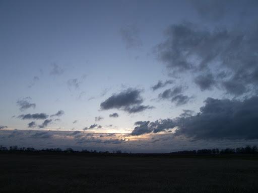 ..расвет после нночной бури..
