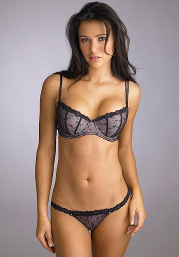 gadis bugil telanjang nunjukin memeknya yang indah dan enak untuk dijilati