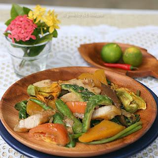 Pinakbet {Filipino Vegetable Stew}