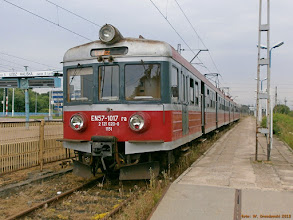 Photo: EN57-1017, Łódź Kaliska - Łowicz Główny {Łódź Kaliska; 2013-06-24}