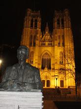 Photo: De Kathedraal van Sint-Michiel en Sint-Goedele(met borstbeeld Koning Boudewijn)