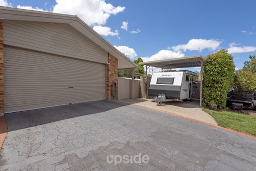 Photo of property at 8 Max Henry Crescent, Macarthur 2904