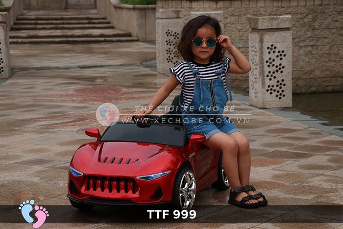 Ô tô điện đồ chơi trẻ em cao cấp TTF-999 1