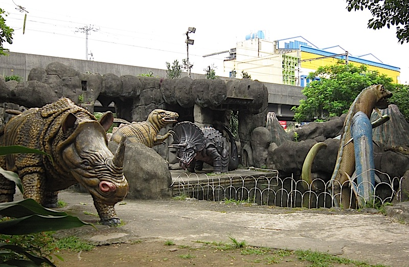 dinosaur playground at Rizal Park