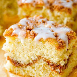 Old-Fashioned Sour Cream Crumb Cake