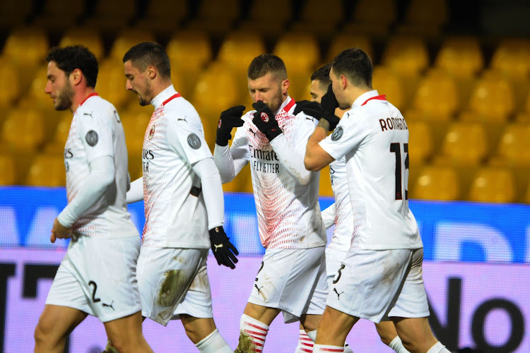 L'AC Milan tient bon à 10 et l'emporte à Bénévent !