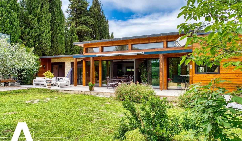 Maison contemporaine avec jardin Sommieres