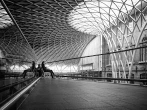 Photo: London #20 - King's Cross station...  #street #streetphotography #shootthestreet  #blackandwhite #blackandwhitephotography #bw #monochrome #london