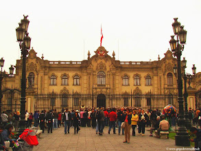 Photo: #015-Lima. Le Palacio de Gobierno.