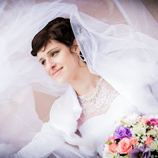 Wedding photographer Arina Elizarova (Linusik). Photo of 22.10.2013