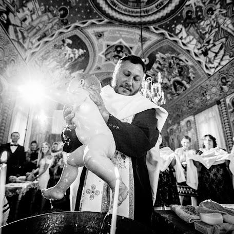 Wedding photographer Marius Balan (fotoemotii). Photo of 12.12.2017