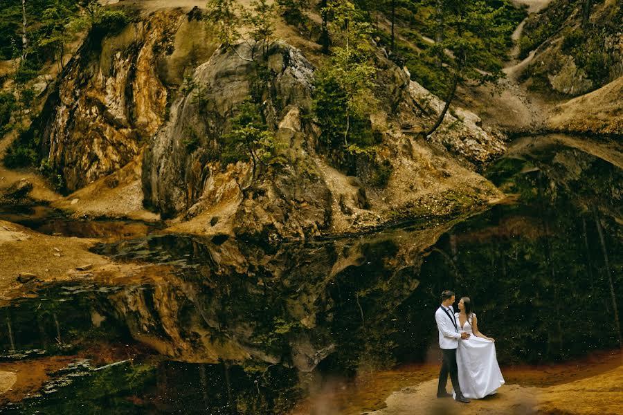 Wedding photographer Wojtek Hnat (wojtekhnat). Photo of 28.11.2020