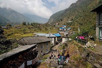 Photo: De Lukla (2840m) à Phakding (2610m) - Lomza - 2650m