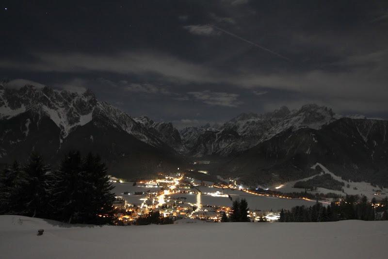 Paesaggio montano notturno di ValeBonifacio