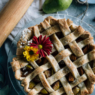 Chai Spice Vegan Pear Pie