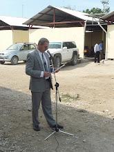 Photo: 10.01.2011 - pose de la première pierre : l'ambassadeur de Suisse