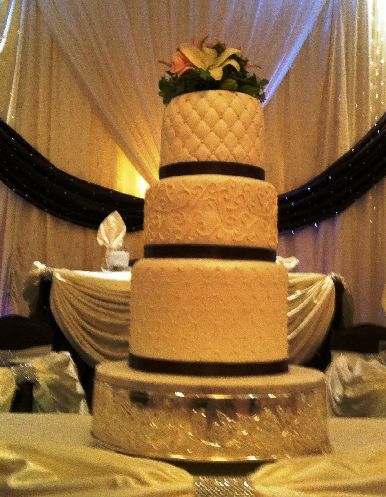 wedding cakes brampton elexia s wedding centerpieces using led 23937