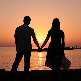 HHWWSS by Tyrone de Asis - People Couples ( pre-nup, askar, tary, bahrain, couple, seascape, sunrise, people )