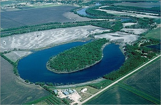 most-bizarrely-shaped-lakes-and-rivers03