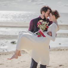 Wedding photographer Polina Rumyanceva (polinahecate2805). Photo of 08.09.2017