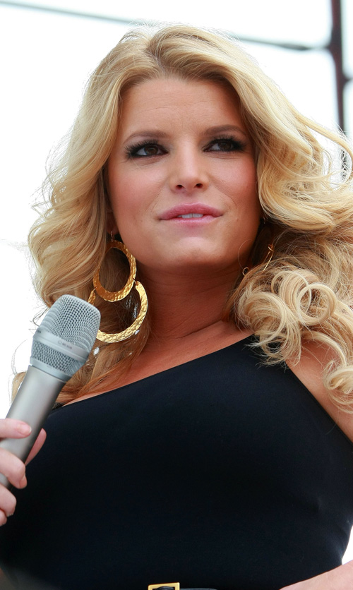Jessica Simpson Is Fat and Old(big breasts-7photos)7
