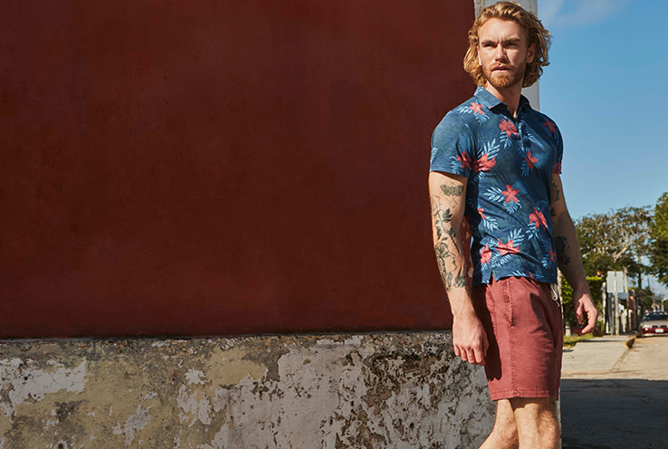 Welcome this warm season in style with must-have pieces for men's summer wardrobe. Life & Style introduce fresh summer looks that are sure to be the centre of style this season.