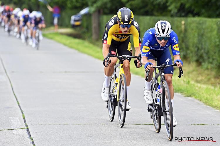 """Remco Evenepoel geeft aan hoe hij aankijkt tegen Wout van Aert: """"Hij is een kampioen, hé"""""""