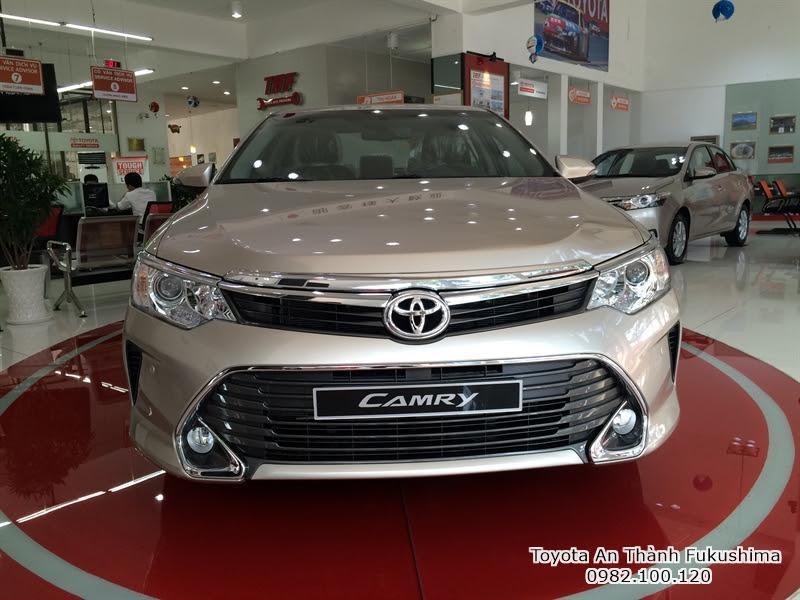 Giảm Giá xe hơi Toyota Camry 2.5 Q 2016 màu nâu vàng