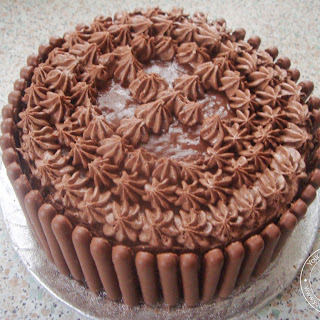 Chocolate Fingers Fence Cake