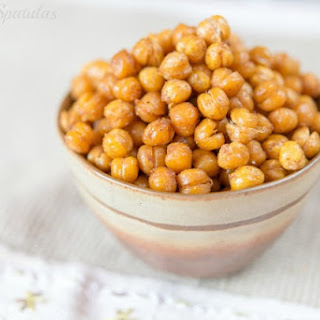 Spicy Smoky Crispy Roasted Chickpeas