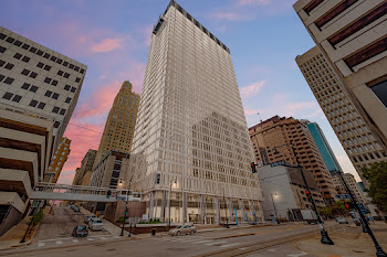Go to Commerce Tower Apartments website