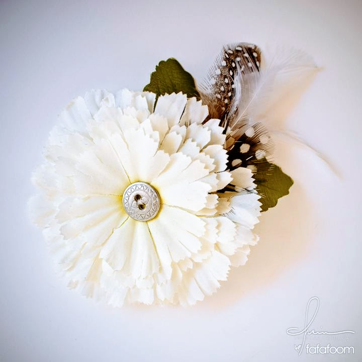 Flower Hair Pin with Feather Accents - DIY Fashion Accessories | fafafoom.com