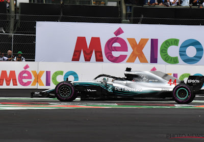 Lewis Hamilton rijdt snelste tijd in vrije training GP Mexico