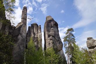 Photo: Výhled na stezce mezi skalami