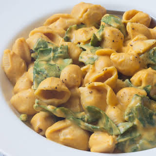 Sweet Potato Mac and Cheese with Spinach [Vegan].
