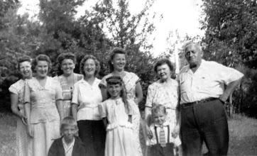 Photo: 1947 (Back Row) Two ? Women behind, Francis (Halgren) Dolan, Blanche Halgren, Marie (Halgren) Ratanski, Hildur (Olsen) Osmundsen, & Oscar Osmundsen. (Front Row) Richard Dolan, Lorraine Ratanski & Arthur Anderson in Rowlands PA