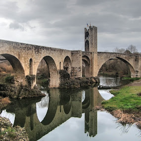 Pont vell by Jose Maria Vidal Sanz - Buildings & Architecture Bridges & Suspended Structures ( catalonia, girona, reflejo, besalu, bridge )