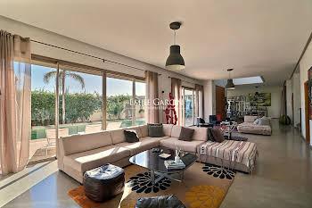 Maison 7 pièces 500 m2