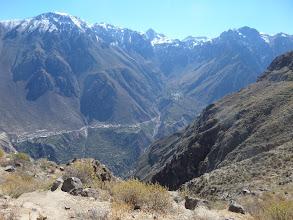 Photo: Die Colca-Schlucht ist maximal 3400 m tief