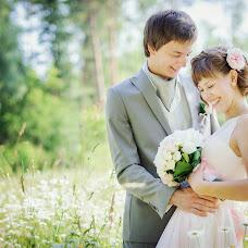 Wedding photographer Lyubov Lokotkova (EmmiliA). Photo of 07.03.2014