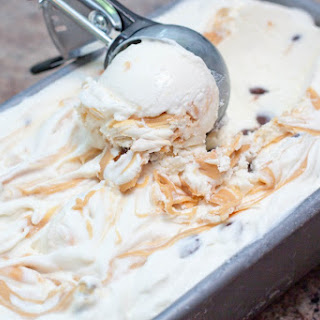 No Churn Caramelized White Chocolate and Chocolate Chip Ice Cream