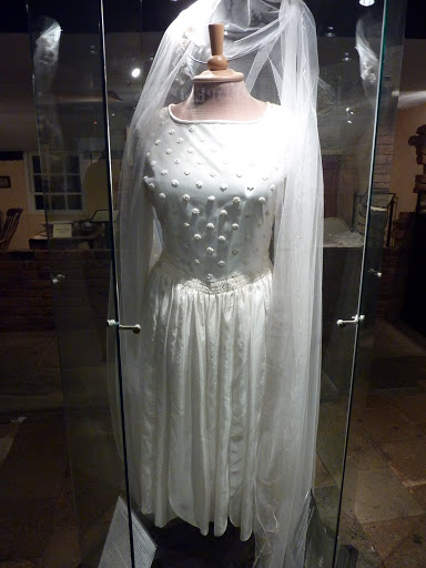 1_vintage_wedding_gown