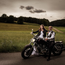 Wedding photographer Claudiu Murarasu (reflectstudio). Photo of 01.09.2016